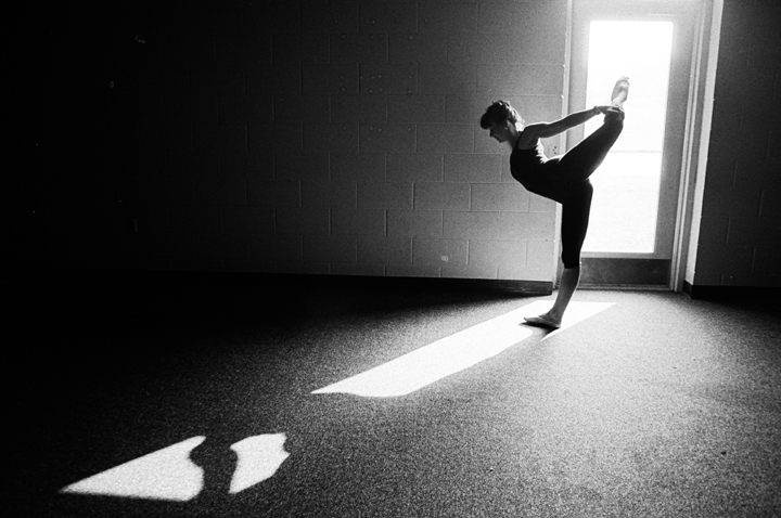 Dancer Warming Up, 1988 ©Victor Anthony