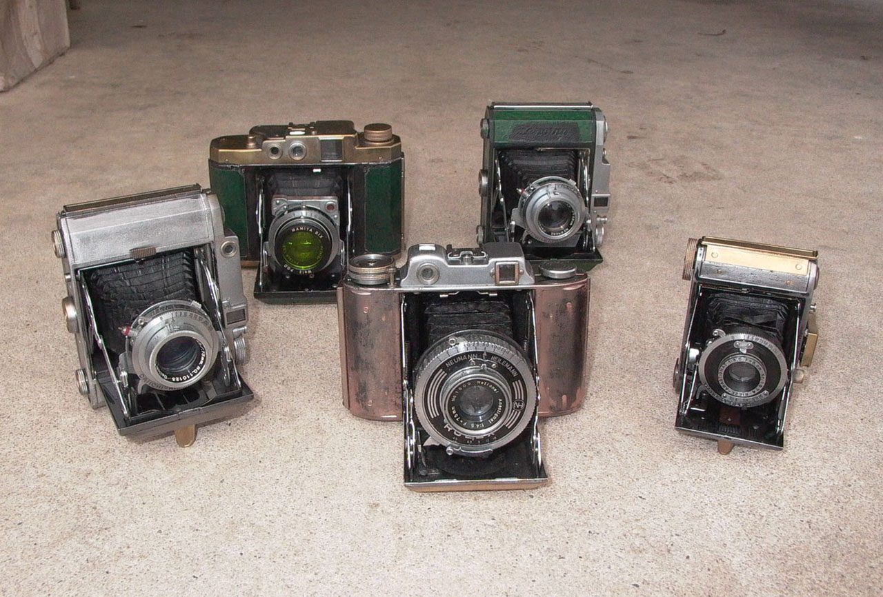 Camera Geekery: Eastwest Photo's Whopping Collection of War-era Japanese Cameras